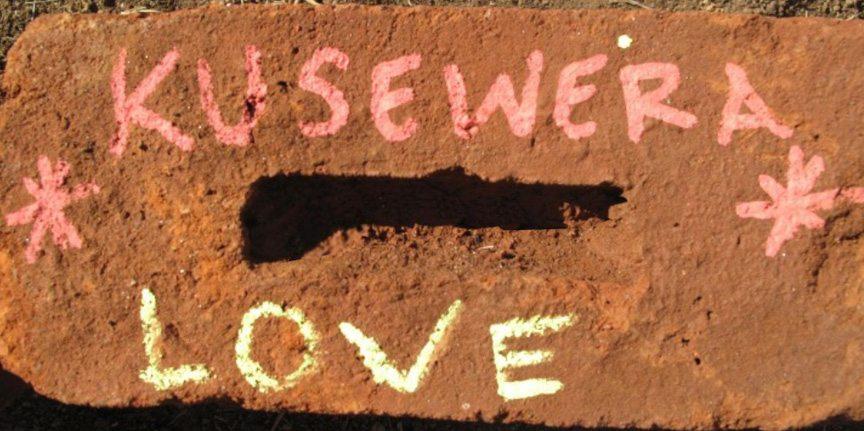 kusewera-brick-long